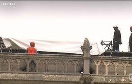 Pháp: Bảo vệ Nhà thờ Đức Bà trước mưa lớn