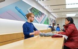 """Chăm khách hàng từ """"chân tơ, kẽ tóc"""", đừng hỏi vì sao Apple bán hàng chạy như """"tôm tươi"""""""