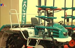Hỗ trợ nông dân tiếp cận công nghệ, máy móc hiện đại nhờ vay vốn
