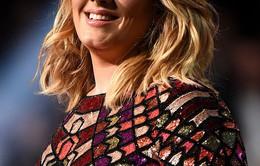 "Adele ""hồi xuân"" sau khi chia tay chồng"