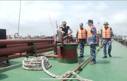 Phát hiện nhiều thủ đoạn tinh vi buôn lậu dầu trên biển