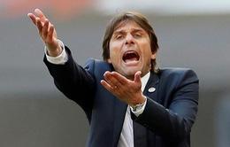 Antonio Conte không cảm thấy áp lực khi bị so sánh với quá khứ