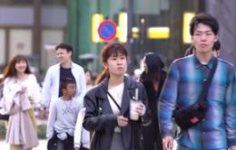 Nhật Bản: Nỗ lực thay đổi thói quen vừa đi vừa ăn của du khách