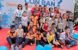 Nguyễn Hồng Nhung xúc động khi chăm sóc những đứa trẻ tự kỷ giống con mình