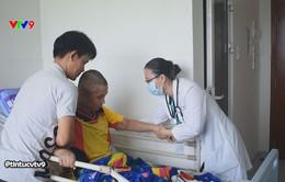 Mùa hè cẩn trọng với bệnh viêm màng não mủ ở trẻ