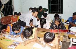 Lớp học xóa mù chữ ở vùng biên Bình Phước