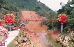 Hàng nghìn du khách tham quan cầu kính đầu tiên tại Việt Nam