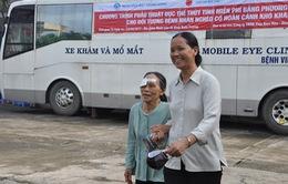 5.000 ca mổ thủy tinh thể miễn phí bằng xe mổ lưu động