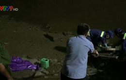 Phát hiện thi thể nam giới không mặc quần áo trôi trên sông Sài Gòn