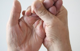 8 trường hợp tê tay mà bạn phải đi gặp bác sĩ ngay lập tức