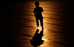 Vụ sàm sỡ bé gái trong thang máy: Hãy cứu lấy trẻ em!