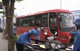 Tiếp diễn tình trạng xe khách vi phạm ngoài bến xe