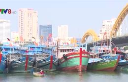 Cảnh báo nguy cơ cháy nổ tàu cá trên sông Hàn