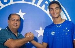Con trai Ronaldinho ký hợp đồng thi đấu chuyên nghiệp
