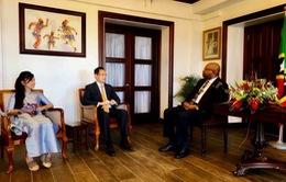 Đại sứ Việt Nam tại Cuba kiêm nhiệm Liên bang Saint Kitts và Nevis trình Quốc thư
