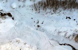 Lở tuyết ở Trung Quốc, 10 người bị mắc kẹt