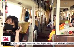 Xử lý nhiều xe khách nhồi nhét khách trên cao tốc Nội Bài - Lào Cai
