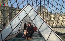 Lần đầu tiên bảo tàng Louvre đón khách nghỉ qua đêm