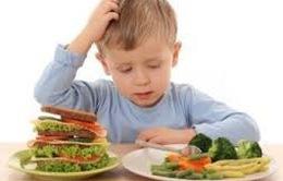 Làm gì khi trẻ dị ứng thức ăn?