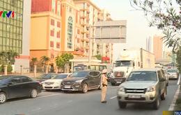 Giao thông tại nhiều tuyến đường cửa ngõ Hà Nội, TP.HCM bị ùn ứ