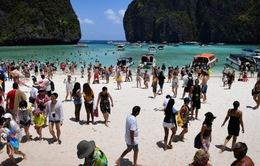 Thái Lan đóng cửa bãi biển do lượng khách du lịch quá đông