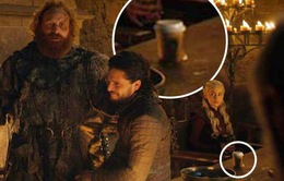 """""""Mẹ Rồng"""" đùa cợt về chiếc cốc Starbucks bị bỏ quên trong """"Trò chơi vương quyền"""""""