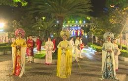 Lễ hội áo dài đầy sắc màu tại thành phố biển Nha Trang