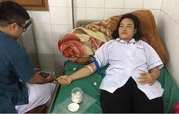 Nhân viên y tế tại đảo Bạch Long Vĩ hiến máu cứu bệnh nhân nữ chửa ngoài tử cung vỡ