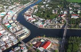 Người dân Hậu Giang lo lắng vì sử dụng nước sông ô nhiễm