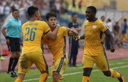 CLB Thanh Hóa 4-1 CLB Hà Nội: Nhà ĐKVĐ nhận thất bại đầu tiên của mùa giải!