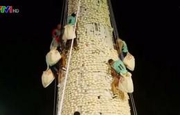 Độc đáo lễ hội bánh bao tại Hong Kong (Trung Quốc)
