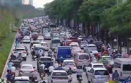 Hà Nội: Xén vỉa hè để giảm ùn tắc giao thông
