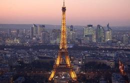 Pháp kỷ niệm 130 năm mở cửa tháp Eiffel