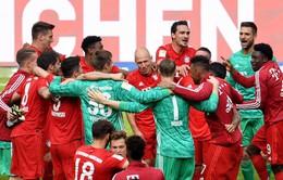 """Bayern Munich chia tay """"đôi cánh thiên thần"""" bằng đĩa bạc Bundesliga lần thứ 7 liên tiếp"""