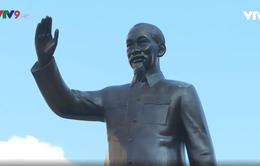 Lễ dâng hương, dâng hoa Chủ tịch Hồ Chí Minh