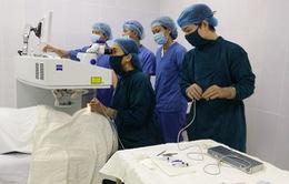 Chương trình cộng đồng điều trị tật khúc xạ
