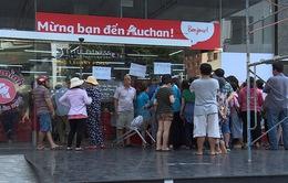 TP.HCM: Siêu thị Auchan vỡ trận vì khuyến mãi sập sàn