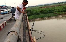 Tàu thủy va vào gầm cầu An Thái