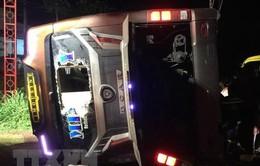 Đồng Nai: Lật xe khách làm 2 người thiệt mạng