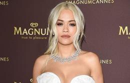 """Trang sức trị giá 4 triệu USD của Rita Ora suýt """"mất tích"""" trên máy bay"""