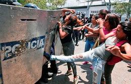 Bạo loạn tại nhà tù Venezuela gây nhiều thương vong