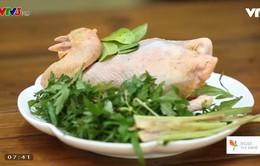 Tự làm món gà tre ủ muối tại nhà