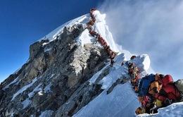 10 nhà leo núi Everest thiệt mạng trong mùa leo núi 2019