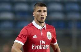 Trung vệ Benfica lọt vào tầm ngắm của Man Utd