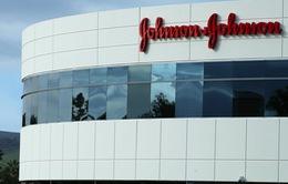 Johnson & Johnson đối mặt với vụ kiện liên quan đến thuốc giảm đau chứa opioid
