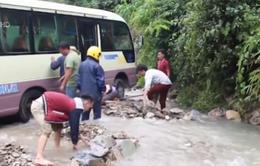 Khắc phục sạt lở nhiều tuyến đường tại Hà Giang