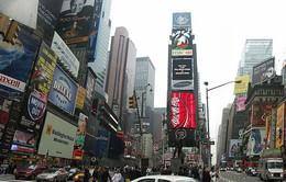 New York cấm quảng cáo đồ uống có cồn trên các tài sản sở hữu công