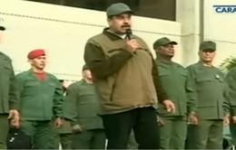 Tổng thống Venezuela Maduro kêu gọi quân đội bảo vệ đất nước