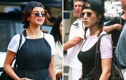 Ăn mặc như vợ cũ của Brad Pitt, Selena Gomez làm sống lại thời trang thập niên 90