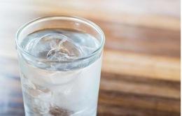 Uống nước lạnh có hại không?